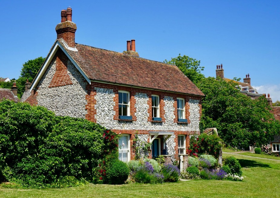 Country house survey